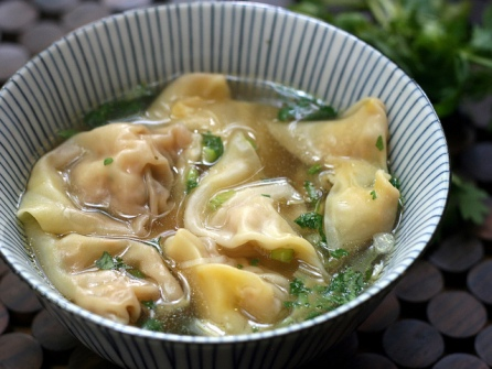 Thai style wonton soup (Photo by asiansupper - https://www.flickr.com/photos/asiansupper)